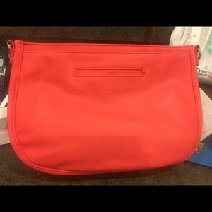 Thirty-one 31 classique purse - coral color NEW